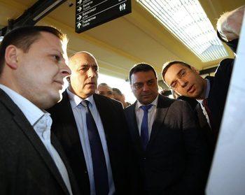 Премиерът откри ремонтираната гара в Бургас