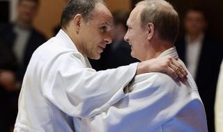 """""""Ди Велт"""": Путин тръгва """"ва банк"""" срещу санкциите"""