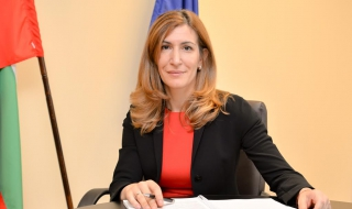 Ангелкова: Очакваме силен летен сезон