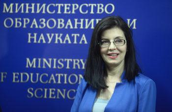 Новите програми дават повече възможност за изучаване на престъпленията на тоталитаризма, каза министър Кунева