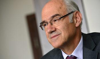 """Регулаторът обмисля премахване на такса """"юрисконсулт"""" за дела на топлофикациите"""
