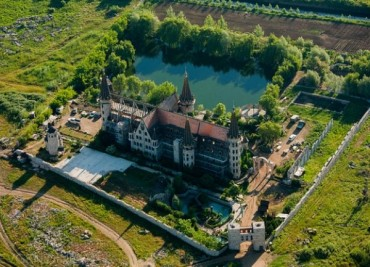 Замъкът в Равадиново е туристическа атракция №1 в света