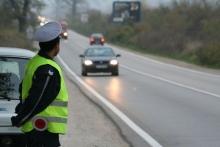 Пиян шофьор без книжка не спря при полицейска проверка в Търговище