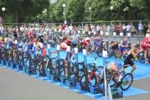Над 200 атлети от няколко страни мерят сили в състезанието по триатлон в Бургас