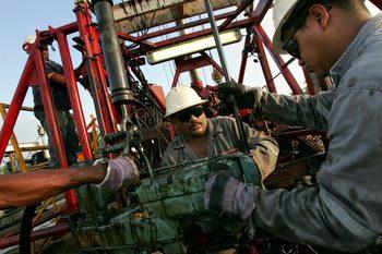 Петролната индустрия може да се изправи пред липса на кадри