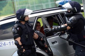 """Двама души са задържани след масовото сбиване в кв. """"Ботунец"""""""