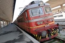 Спират временно пътническия влак Шумен-Търговище