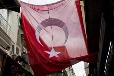 Опитът за преврат удари борсата в Истанбул