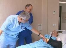 Полицeйският шеф от Добрич с пришитата ръка: Не медицина, беше магия! (снимки)
