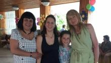 """Чрез дома във """"Виница"""" момче откри сестра си, семейство ги осинови"""
