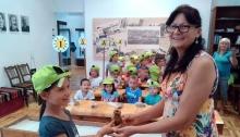 Малки и големи се забавляват в музея в Добрич през лятото