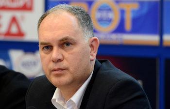 Кадиев предлага да се забрани регистрацията на коли с десен волан