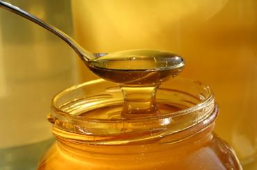Засякоха мед със захар на пазара