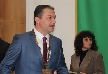 Кметът д-р Иванов връчи плакетите на почетните граждани