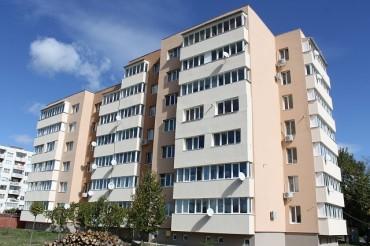 Прерязаха лентата на трети саниран блок в Севлиево (снимки)