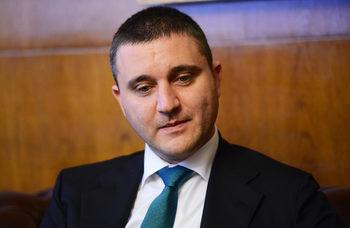 Промените в данъчните закони влизат в парламента