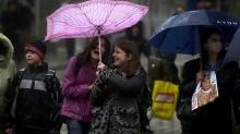 Предупреждават за бурен вятър в Добрич