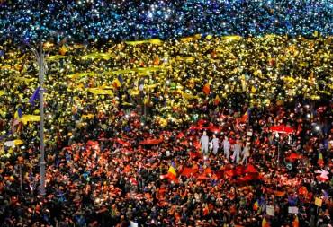 Хиляди румънци отново по улиците, искат оставка