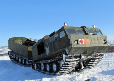 Русия изпитва военна техника в Арктика (Видео)