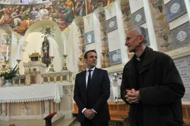 Макрон се обедини с Франсоа Байру