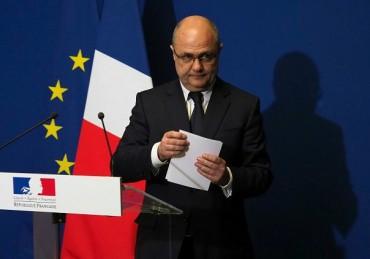 Неочаквана оставка в Париж