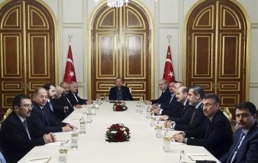 Турция пак извива ръцете на Европа