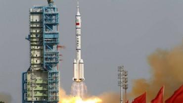 Китай ще покорява Луната с нов космически кораб