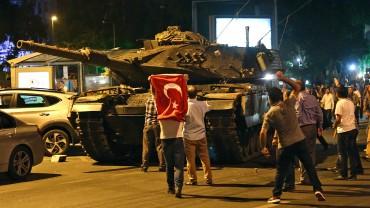 Горещо! Американска връзка в турския преврат