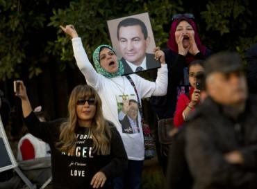 Оправдаха Мубарак