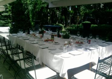 Храна и Вино в ресторант Тополите