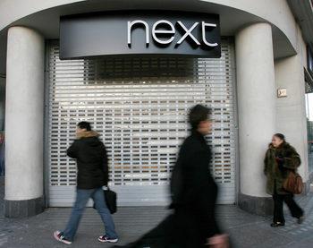 Печалбата на Next спадна за пръв път от 8 години