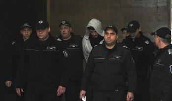 Съдът решава окончателно дали да остави в ареста задържания за убийството в Борисовата градина