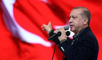Венецианската комисия: Референдумът в Турция е път към едноличен режим