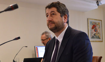 """""""Човекът с есемесите"""" може да оглави Върховния административен съд, смята Христо Иванов"""