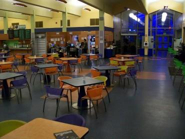 Училищата, които унижават деца без пари за обяд