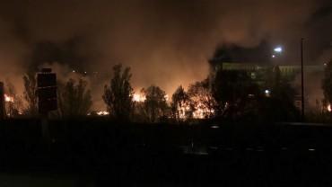 Юмруци и пламъци в мигрантски лагер