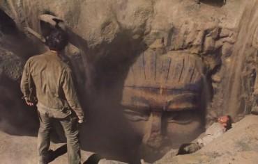 Том Круз влиза в света на чудовищата (Видео)
