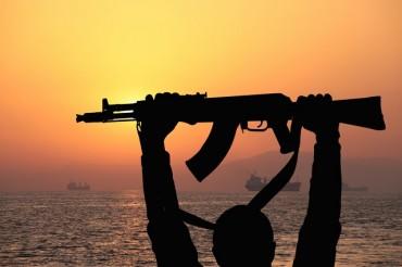 Сомалийски пирати щурмуваха индийски кораб