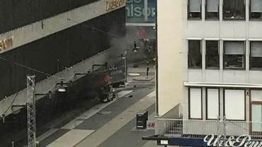 Терорът удари и Стокхолм (НА ЖИВО + СНИМКИ)