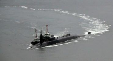 Напрежение! US подводница пристигна в Южна Корея