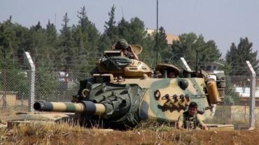 Турция в бойна готовност на сирийската граница (ВИДЕО)