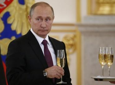 Рейтингът на Путин удари небесата (СНИМКИ)
