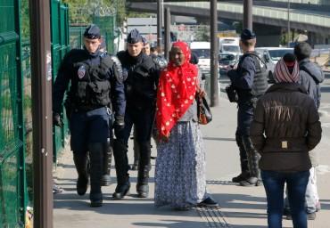 Полицията разтури мигрантски лагер