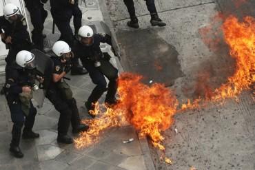 Гърция пламна! Напрежението ескалира
