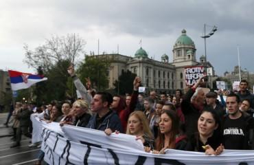 Сърбия зове ЕС да скастри Албания