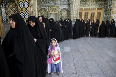Иран пред нов критичен избор (СНИМКИ)