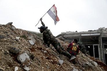 Сирийските бунтовниците губят войната и в Хомс (ВИДЕО)