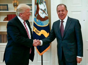 Путин и Тръмп се срещат през юли