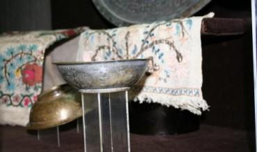 Изложба на гравирани медни съдове в НИМ