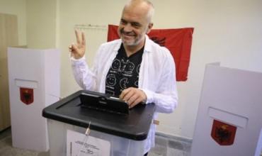 Социалистите печелят убедително в Албания